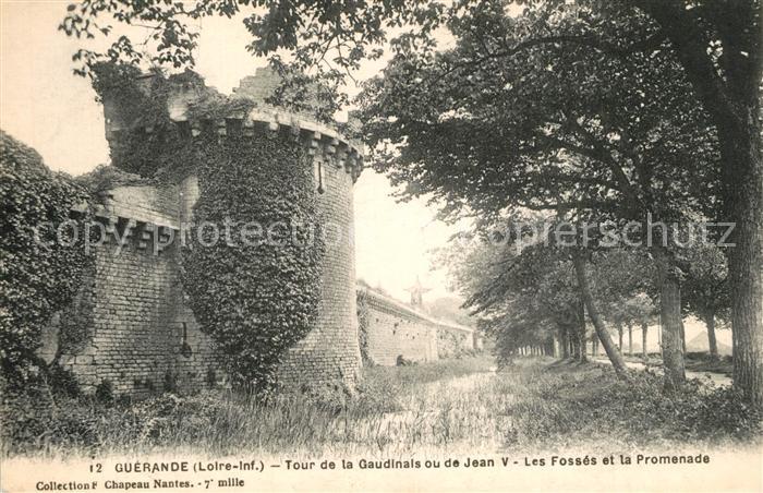AK / Ansichtskarte Guerande Tour de la Gaudinais ou de Jean V Les Fosses et la Promenade Guerande