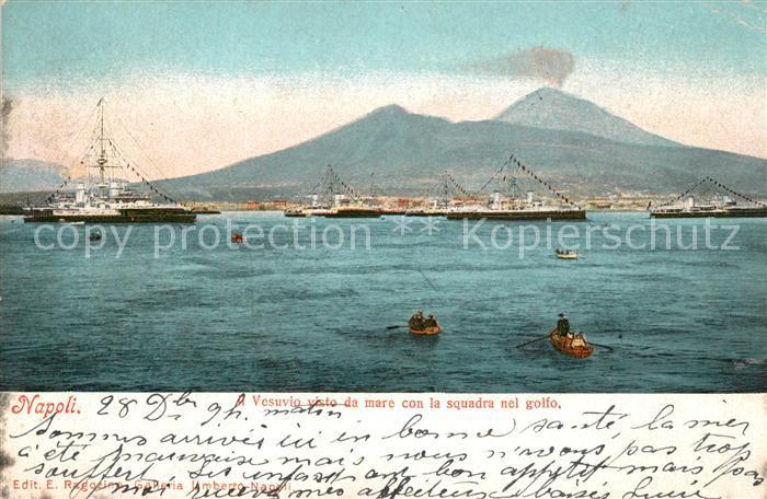 AK / Ansichtskarte Napoli_Neapel Vesuvio Squadra nel Golfo  Napoli Neapel