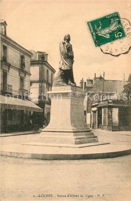 AK / Ansichtskarte Loches_Indre_et_Loire Statue d Alfred de Vigny Monument Loches_Indre_et_Loire