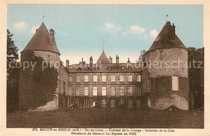AK / Ansichtskarte Rozoy_en_Brie Chateau de la Grange interieur de la cour Residence du General La Fayette Rozoy_en_Brie