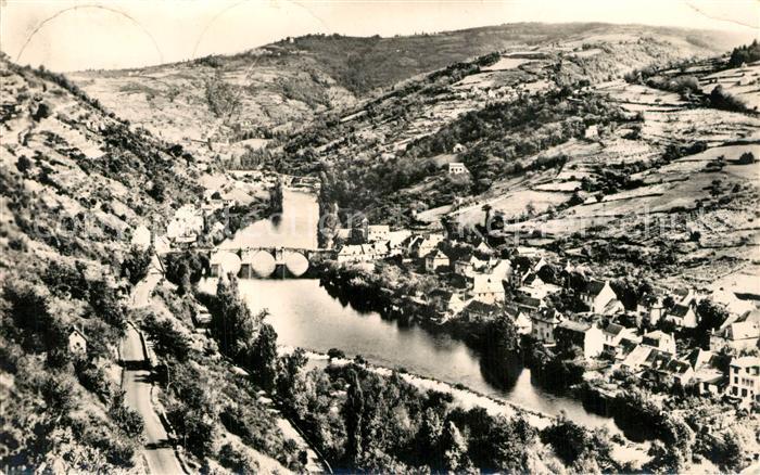 AK / Ansichtskarte Entraygues sur Truyere Vue panoramique sur la Truyere Entraygues sur Truyere