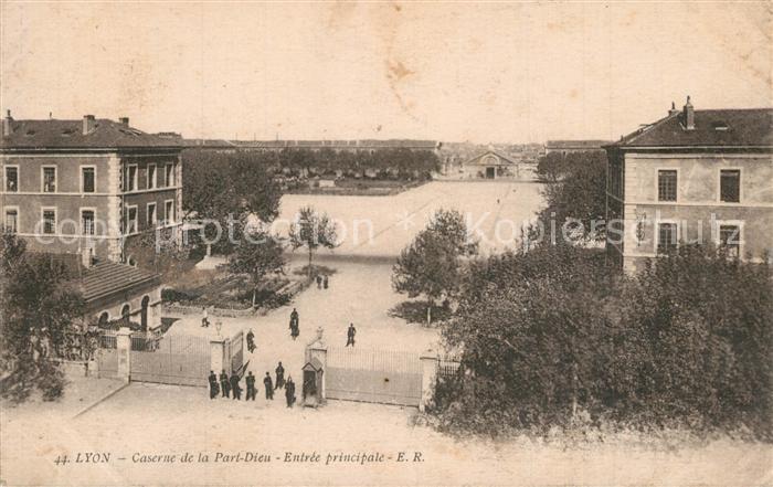 AK / Ansichtskarte Lyon_France Caserne de la Part Dieu  Lyon France