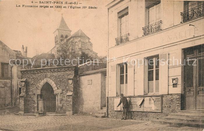 AK / Ansichtskarte Saint Prix_Saone et Loire La Fontaine Eglise Saint Prix Saone et Loire