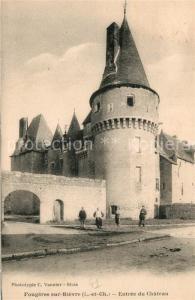 AK / Ansichtskarte Fougeres sur Bievre Entree du Chateau Schloss Fougeres sur Bievre