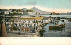 Napoli_Neapel dalla Via Caracciolo Pescatori che tirano le reti Napoli Neapel
