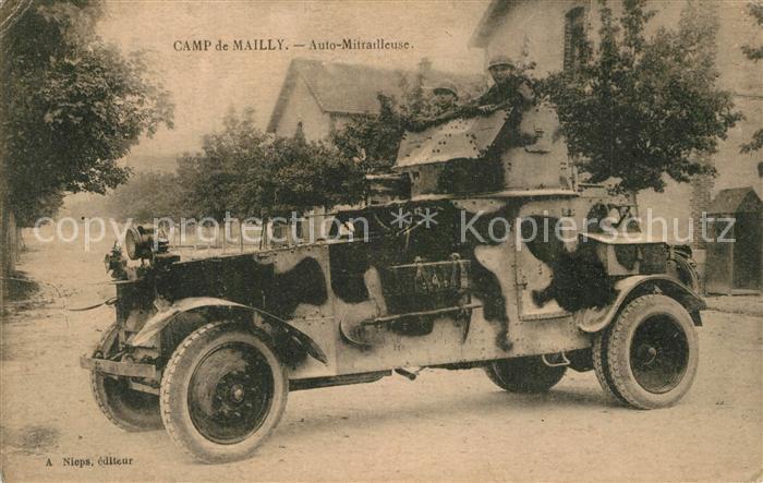 AK / Ansichtskarte Militaria_Panzer Panzerwagen Automitrailleuse Camp de Mailly  Militaria Panzer 0
