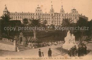 AK / Ansichtskarte Cimiez Excelsior Hotel Regina et la Statue de la Reine Victoria Cimiez