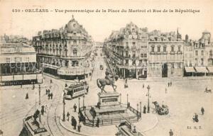 AK / Ansichtskarte Strassenbahn Orleans Place du Martroi Rue de la Republique