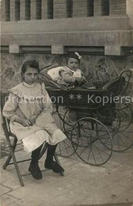AK / Ansichtskarte Kinderwagen Kinder