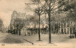 AK / Ansichtskarte Levallois Perret Place Corneille et rue Voltaire Levallois Perret