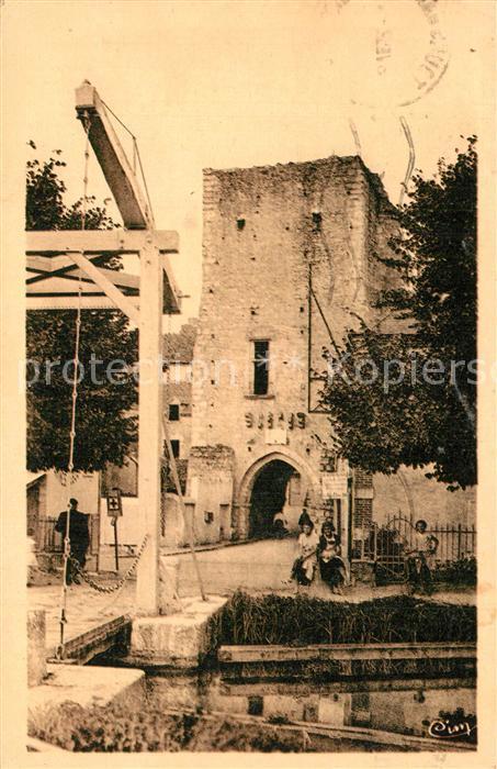 AK / Ansichtskarte Mennetou sur Cher Porte de Ville Jeanne d Arc XIIIe siecle Pont Mennetou sur Cher 0