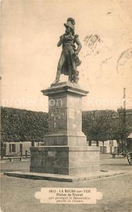 AK / Ansichtskarte La_Roche sur Yon Statue de Travot La_Roche sur Yon