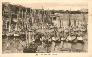 AK / Ansichtskarte Royan_Charente Maritime Le Port Bateaux de peche Royan Charente Maritime