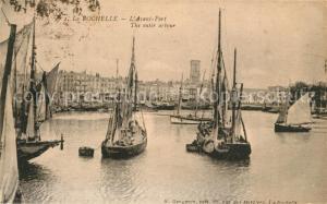 AK / Ansichtskarte La_Rochelle_Charente Maritime Avant Port Bateaux de peche La_Rochelle