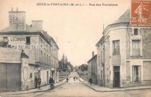 AK / Ansichtskarte Doue la Fontaine Rue des Fontaines Doue la Fontaine