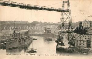 AK / Ansichtskarte Brest_Finistere Bateau La Jeanne d Arc sous le pont a transbordeur Brest_Finistere