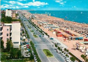 AK / Ansichtskarte Riccione Spiaggia Strand Uferstrasse Riccione