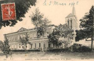 AK / Ansichtskarte Lisieux La Cathedrale Saint Pierre et le Musee Lisieux