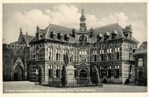 AK / Ansichtskarte Utrecht Universiteitsgebouw met Standbeeld Graaf Jan van Nassau Utrecht