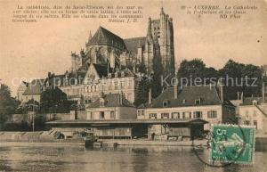 AK / Ansichtskarte Auxerre La Cathedrale dite Saint Etienne et les Quais Auxerre