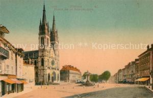AK / Ansichtskarte Voiron Place de la Republique Eglise Fontaine Voiron