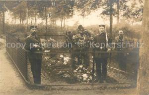 AK / Ansichtskarte Hoogstraeten Soldatengrab Ehrenwache  Hoogstraeten