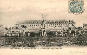 AK / Ansichtskarte Mayenne 130e de Ligne Regiment d infanterie Exercices de pyramides Mayenne