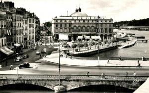 AK / Ansichtskarte Bayonne_Pyrenees_Atlantiques Hotel de Ville Rathaus Bayonne_Pyrenees