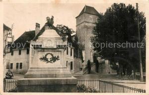 AK / Ansichtskarte Salies de Bearn Monument aux Morts Eglise Saint Vincent Salies de Bearn
