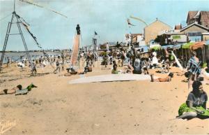 AK / Ansichtskarte Chatelaillon Plage Jeux sur la plage Chatelaillon Plage