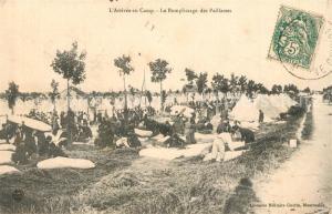 AK / Ansichtskarte Luneville Camp Remplissage des Pailasses Luneville