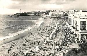 AK / Ansichtskarte Biarritz_Pyrenees_Atlantiques La grande Plage le Casino de la Plage le Phare et l'Hotel du Palais Biarritz_Pyrenees