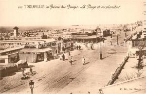 AK / Ansichtskarte Trouville sur Mer La plage et ses planches Reine des Plages Trouville sur Mer