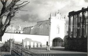 AK / Ansichtskarte Evora Templo Romano de Diana e Igreja dos Loios Evora