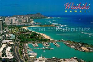 AK / Ansichtskarte Waikiki Aerial view Fishing boats and four boats come through the area in paradise