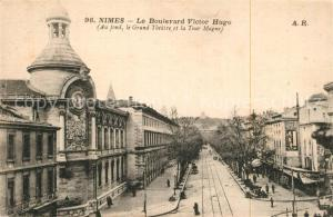 AK / Ansichtskarte Nimes Le Boulevard Victor Hugo Grand Theatre et la Tour Magne Nimes