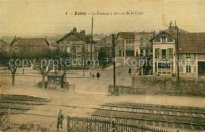 AK / Ansichtskarte Esbly Le Passage a niveau de la Gare Esbly