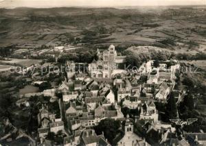 AK / Ansichtskarte Vezelay Eglise Abbatiale de la Madeleine XIIe siecle vue aerienne Vezelay
