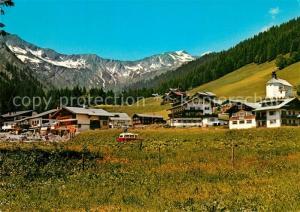AK / Ansichtskarte Baad_Mittelberg_Kleinwalsertal Teilansicht mit Kirche Hochstarzl Allgaeuer Alpen Baad_Mittelberg