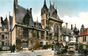 AK / Ansichtskarte Bourges Hotel Jacques Coeur XVe siecle Statue Monument Bourges