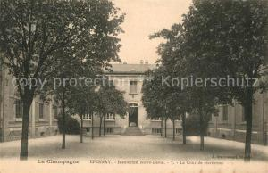 AK / Ansichtskarte Epernay_Marne Institution Notre Dame Cour de recreation Epernay Marne