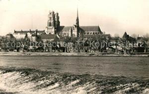 AK / Ansichtskarte Orleans_Loiret La Cathedrale et la Loire Orleans_Loiret