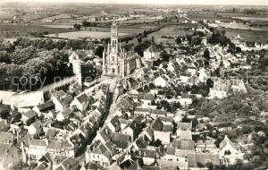 AK / Ansichtskarte Chateauneuf sur Cher Basilique Notre Dame des Enfants et la Grande Rue vue aerienne Chateauneuf sur Cher