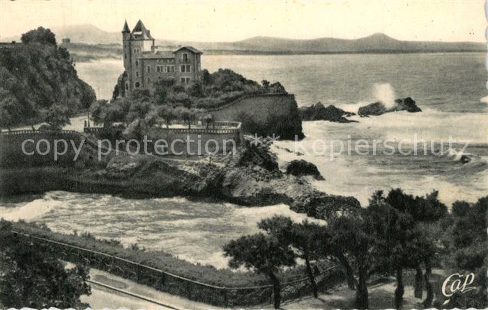 AK / Ansichtskarte Biarritz_Pyrenees_Atlantiques Villa Belza et port vieux Biarritz_Pyrenees 0