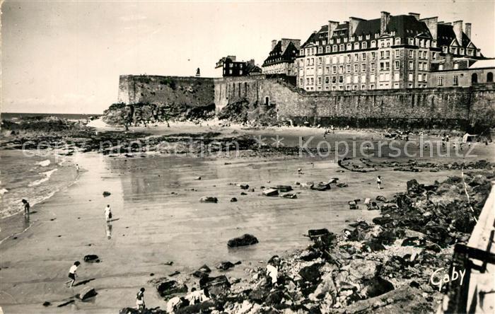 AK / Ansichtskarte Saint Malo_Ille et Vilaine_Bretagne Plage du Mole et les Remparts Saint Malo_Ille et Vilaine 0