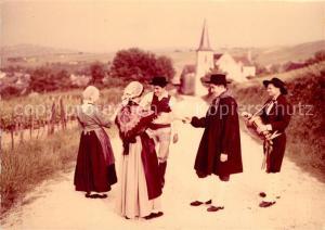 AK / Ansichtskarte Sancerre Traditions du Haut Berry La Bourree croisee du village Costumes Trachten Sancerre