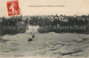 AK / Ansichtskarte Militaria_Kavallerie Passage de Riviere sur l Huisne  Militaria_Kavallerie
