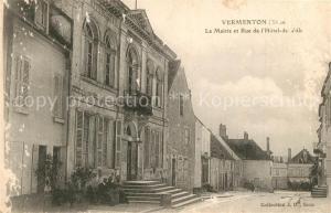 AK / Ansichtskarte Vermenton La Mairie et Rue de l'Hotel de Ville Vermenton