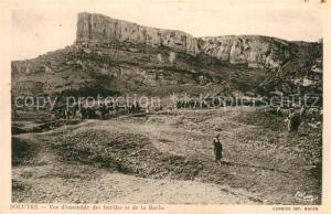 AK / Ansichtskarte Solutre Pouilly Vue d'ensemble des fouilles et de la Roche Solutre Pouilly