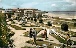 AK / Ansichtskarte Val Andre Le Casino et son Golf Miniature et vue sur la Baie de Saint Brieuc Val Andre